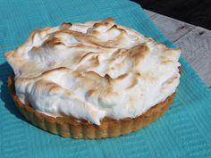 Bij hetreceptvan het Italiaanse schuim had ik al verteld dat ik een lemon meringue pie had gemaakt, vandaag deel ik eindelijk het recept! Het is even wat werk, je maakt namelijk de bodem,lemon c…