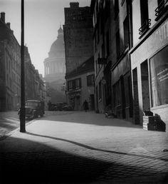 Dorothy Bohm    Paris, 1950  Source: undr  #places
