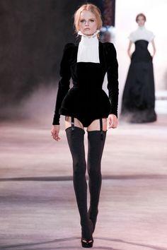 Ulyana Sergeenko - F/W - Haute Couture Paris Fashion Week. Stage Outfits, Mode Outfits, Fashion Outfits, High Fashion Dresses, Ulyana Sergeenko, Runway Fashion, Womens Fashion, 90s Fashion, Fashion Art