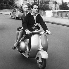A website dedicated to Vespa and Lambretta scooters. Vespa Scooters, Vespa Lambretta, Piaggio Vespa, Motor Scooters, Vespa Rose, Pink Vespa, Pink Bike, Vespa Vintage, Vintage Paris