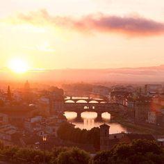 Il ponte Vecchio  #sunsetoftheday  . . . . . #travelitaly #sunsetlover #exploremore #travelblogger #travelgram #instatravel #traveladdict #travellers #welivetoexplore #exploringtheglobe #sunset_pics #neverstopexploring #travelpic #thegreatoutdoors #travelmore #lifeofadventure #adventuretime #globetrotter #sunset_hub #exploringtheglobe #traveltheglobe #wanderlust #traveltheworld #travelblog #italian_gallery #igersitalia #visititalia #ig_italia @italian_gallery @igersitalia @top_italia_photo…