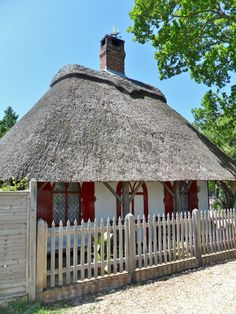 Restored Thatched Cottage, Bucklers Hard, New Forest, Hampshire, England (All Original Photography by vwcampervan-aldridge.tumblr.com)