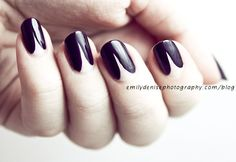 So lush and minimal at the same time. This is my next manicure. @Shilo Byrd Reno: reminds me of the split peach hairstyle in Memoirs of a Geisha.