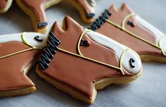 Hold Your Horses for Kentucky Derby Cookies (http://blog.hgtv.com/design/2013/05/01/daily-delight-kentucky-derby-cookies/?soc=pinterest)