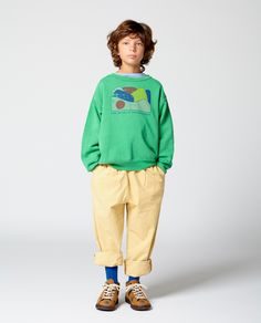 New sweatshirt outfit fall clothes Ideas Baby Boy Outfits, Fall Outfits, Kids Outfits, Sweaters And Jeans, Sweatshirt Outfit, Kid Styles, Dresses With Leggings, Printed Sweatshirts, Kids Wear