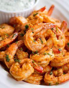 Crevettes apéritives au thermomix. Je vous propose une délicieuse recette des crevettes apéritives sauce piquantes à croquer, une recette facile à réaliser.