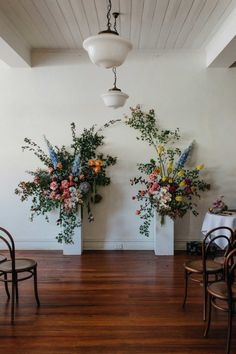 Wedding inspiration for Australian & New Zealand couples Wedding Backdrop Design, Wedding Wall Decorations, Floral Backdrop, Floral Arch, Flower Decorations, Flower Wall Wedding, Floral Wedding, Wedding Flowers, Wedding Floral Arrangements