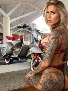 Hot Tattoo Girls, Tattoed Girls, Girl Tattoos, Vespa Girl, Scooter Girl, Girl Bike, Sweet Lady, Biker Girl, Diy Fashion