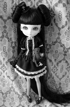 хорошо картинки готических кукол с короткими волосами контакте усатый енотик