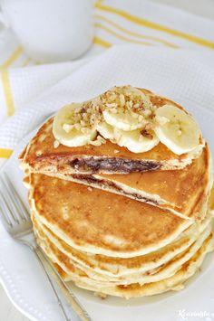 Pancakes με κρυφή γέμιση πραλίνας φουντουκιού / Nutella stuffed pancakes Nutella Pancakes, Mini Pancakes, Homemade Pancakes, How To Make Nutella, How To Make Pancakes, Pancakes From Scratch, Recipe Tin, Hazelnut Spread, Sweet Breakfast