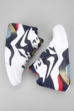 Reissue of the shoe worn by Charles Barkley during the '92 Olympics #urbanoutfitters