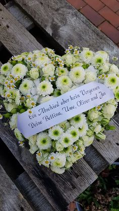 Ikebana, Funeral, Table Decorations, Celebrities, Holiday, Design, Pictures, Flowers For Funeral, Comforting Words