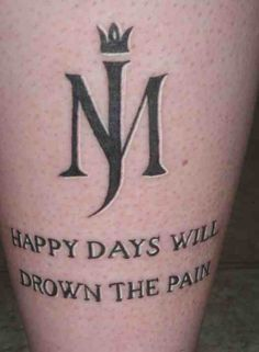 Tattoos inspired by Michael Jackson ღ in fans who love him! @carlamartinsmj