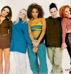 You're a twisted lover, kiss & telling on a superstar! Only Spice Girls! Spice Girls Albums, Spice Girls Dolls, Spice Girls Outfits, Girl Outfits, Early 2000s Fashion, 90s Fashion, Retro Fashion, 1990s Looks, Geri Halliwell