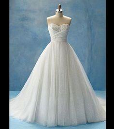 La robe de mariée Cendrillon, vue de face / Alfred Angelo