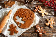 Looking for a festive bake to snack on over the festive period? Make the perfect treat today with this easy gingerbread men recipe. Full of festive flavour and all-the-more fun to create, find out how to make gingerbread men below. What you'll need: 350g plain flour 125g butter (softened) 1 egg (beaten) 175g brown sugar 1 tsp ground cinnamon 1 tsp bicarbonate of soda 4 tbsp golden syrup 2 tsp ground ginger Writing icing Gingerbread biscuit decorations Easy Gingerbread Cookie Recipe, How To Make Gingerbread, Gingerbread Latte, Christmas Gingerbread Men, Paleo Desert Recipes, Biscuit Decoration, Ginger Bread Cookies Recipe, Chocolate Biscuits, Golden Syrup