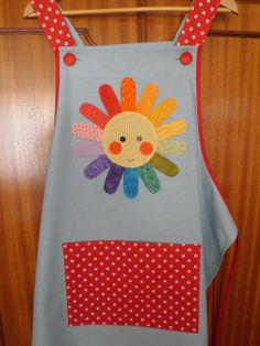 Azul con sol Sewing Aprons, Sewing Toys, Baby Sewing, Sewing Crafts, Sewing Projects, Cute Aprons, Kids Apron, Kitchen Aprons, Wooden Hand