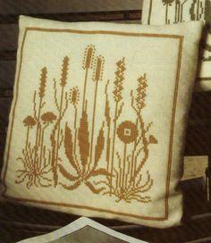 (1) Gallery.ru / Фото #199 - Napkins, Carpets, Pillows 3 - Summerville