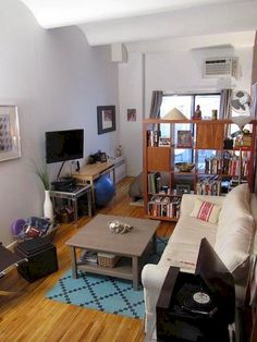 Small Studio Apartment Layout Design Ideas - home design Studio Apartment Living, Tiny Studio Apartments, Studio Apartment Design, Studio Apartment Decorating, Studio Design, Studio Living, Living Room, Apartment Interior, Apartment Ideas
