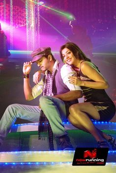 Vijay & Kajal Agarwal in Thuppakki. More pictures at http://www.nowrunning.com/movie/9968/tamil/thuppakki/gallery.htm