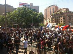Estudiantes advierten a candidatos presidenciales que si no hay soluciones a sus demandas seguirán movilizados #Chile (Foto: @RaulteleSUR)