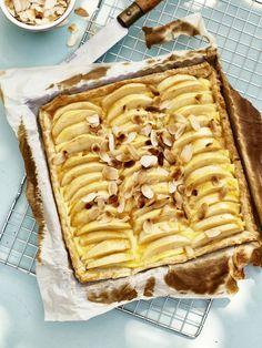 Bredele with brown sugar and praline sugar - HQ Recipes No Cook Desserts, Great Desserts, Delicious Desserts, Dessert Recipes, Sweet Pie, Sweet Bread, Apple Recipes, Sweet Recipes, Dutch Recipes