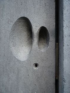 Peter Zumthor - Recessed 'pebble' handle at the Kolumba Museum Detail Architecture, Interior Architecture, Interior And Exterior, Interior Design, Peter Zumthor, Beton Design, Concrete Design, Diy Concrete, Kolumba Museum