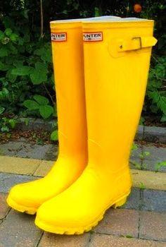 Splashing in a spring rainstorm always refreshes my soul! #smirnoffcontestentry