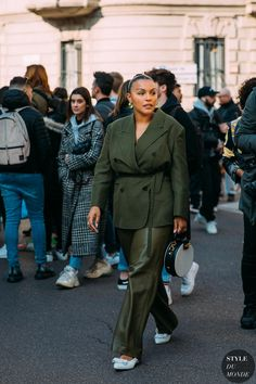 Fat Fashion, Look Fashion, Plus Size Fashion, Autumn Fashion, Street Fashion, Milan Fashion, Street Style, Street Chic, Carrie Bradshaw