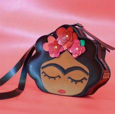 Summer Clothes For Teens Unique Handbags, Unique Purses, Unique Bags, Cute Purses, Purses And Handbags, Mini Mochila, Kawaii Bags, Novelty Bags, Purse Styles