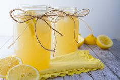 Healthy Lemonade from Healthful Pursuit by Leanne Vogel… Healthy Lemonade, Honey Lemonade, Homemade Lemonade, Refreshing Drinks, Yummy Drinks, Healthy Drinks, Fun Drinks, Healthy Eats, Healthy Recipes