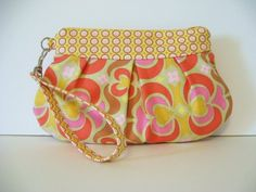 Cute fabric and little wristlet!