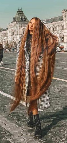 Rapunzel Hair, Long Locks, Beautiful Long Hair, Dream Hair, Height And Weight, Sasuke, Hair Lengths, Female Art, Cool Hairstyles