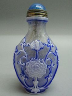 Chinese Lucky & Bat Carved Peking Glass Snuff Bottle
