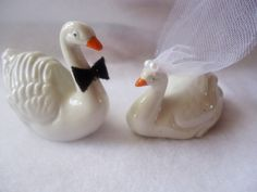 Mini Porcelain Swan Cake Topper by ChicEventsDecor on Etsy