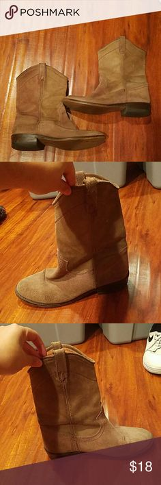 Light brown suede boots Used Steve Madden Shoes