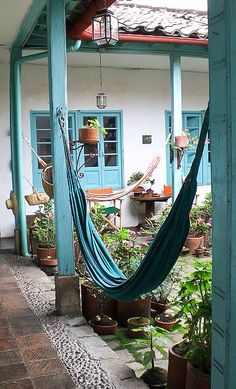 Patio interno de una típica casa de estilo español en los pueblos de Colombia