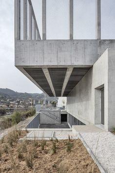 l'Ariane Futsa Gymnasium in Nice by CAB Architectes - 谷德设计网