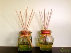 Homemade Air Fresheners: Essential Oil Reed Diffusers Make your own essential oil reed diffusers with a few simple ingredients. All natural and much cheaper than the store-bought version! Homemade Granite Cleaner, Homemade Floor Cleaners, Homemade Essential Oils, Essential Oil Uses, Homemade Cleaning Wipes, Homemade Reed Diffuser, Homemade Air Freshener, Scented Oils, Spice Jars