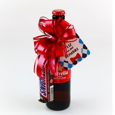 Liquor Bouquet, Fathers Day Crafts, Meraki, Cool Diy, Gift Baskets, Alcohol, Sweets, Baby Shower, Chocolate