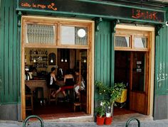 LAMIAK :: Restaurante - Taberna vasca en Madrid :: 91 539 74 50 :: El local
