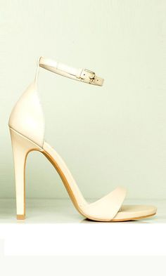Perfect wedding shoes: Strappy high heeled sandals in blush, ideal for the bride, bridesmaids and guests #weddingshoes #heeledsandalsoutfit