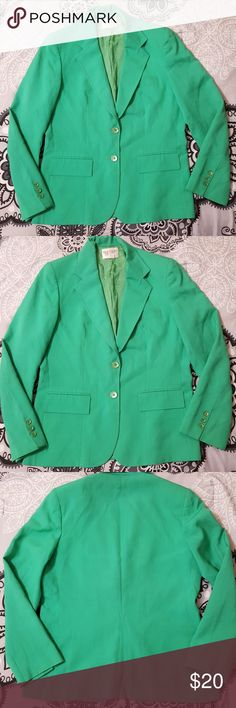 "Bretton Place Vintage Blazer Bretton Place Vintage Kelly Green Blazer 12. Shoulder pads.  Shoulder to shoulder: 16.25"" Bust 20"" Length: 25""  Arm length:23""   In good condition. Bretton Place Jackets & Coats Blazers"