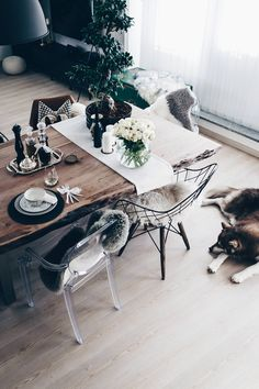 Table decoration for every day: That's how I designed our dining area! - Home Page Simple Table, Dining Room Design, Decor, Apartment Decor, Table, Dining, Dining Area Design, Rustic Dining, Table Decorations