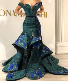 Dark Green Lace Evening Dress Off Shoulder With Applique Mermaid Party Gowns 2019 Couture Saudi Arabic Dubai Dress Abendkleider African Prom Dresses, African Wedding Dress, African Fashion Dresses, African Dress, Elegant Dresses, Beautiful Dresses, Engagement Dresses, Mermaid Evening Dresses, Fashion Mode