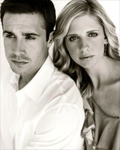 Freddie Prinze Jr. and Sarah Michelle Gellar - every celebrity should be like these!