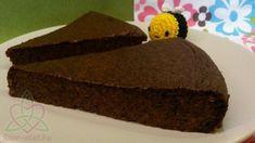 Az ország egyik legjobb cukrásza Móni, akinek előszeretettel fogyasztjuk paleos süteményeit, mikor Keszthelyen vagyunk. Ez is az ő receptje, amit ide kattintva meg tudtok nézni.Nagyon egyszerű megcsinálni, különösen a mák