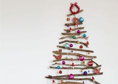 Create a festive feature wall with a twig Christmas tree primamagazine Twig Christmas Tree, Christmas Mason Jars, Natural Christmas, Simple Christmas, Handmade Christmas, Christmas Diy, Beach Christmas, Christmas 2017, Twig Crafts