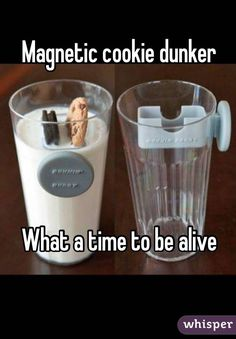 Magnetic cookie dunker What a time to be alive! Omg so so cool! Geek Gadgets, Gadgets And Gizmos, Iphone Gadgets, Inventions Sympas, Objet Wtf, Just In Case, Just For You, Take My Money, Cool Inventions