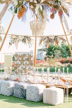 A Bohemian-Themed Afternoon Wedding Celebration in Dubai Wedding Table Settings, Wedding Reception Decorations, Table Setting Inspiration, Wedding Inspiration, Bohemian Theme, Afternoon Wedding, Dubai Wedding, Walima, Chic Wedding
